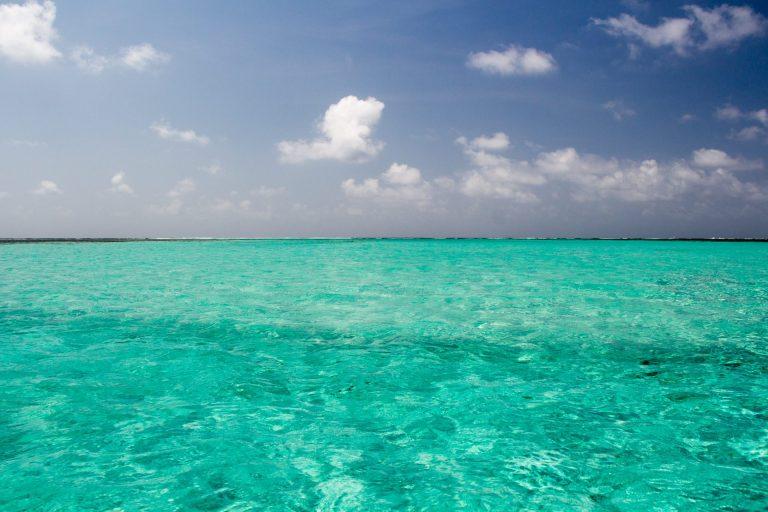Turquoise waters of San Blas